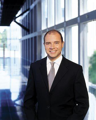 Steher: Ralph Dommermuth hat mit United Internet steile Höhenflüge und atemberaumbende Abstürze hinter sich. Seit er seine Bilanz saniert und Verlustbringer unter Kontrolle brachte, steigt auch der Aktienkurs wieder.