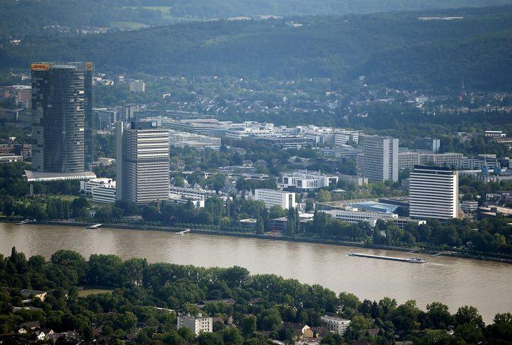Bonn: Telekom, Post und Ministerien bieten Jobs - und wer kräftig feiern will, muss nur ein paar Kilometer rheinaufwärts gen Köln fahren