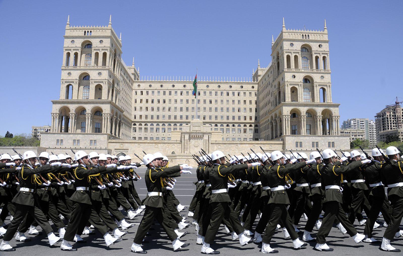 Baku / Parade