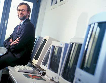 Lutz Heuser, Chief Development Architect der SAP AG in Walldorf, studierte Informatik in Darmstadt und promovierte in Karlsruhe. Er gehört zuden Begründern des Forschungszentrums CEC Karlsruhe und ist Gastprofessor an der University of Paraguay in Asuncion.