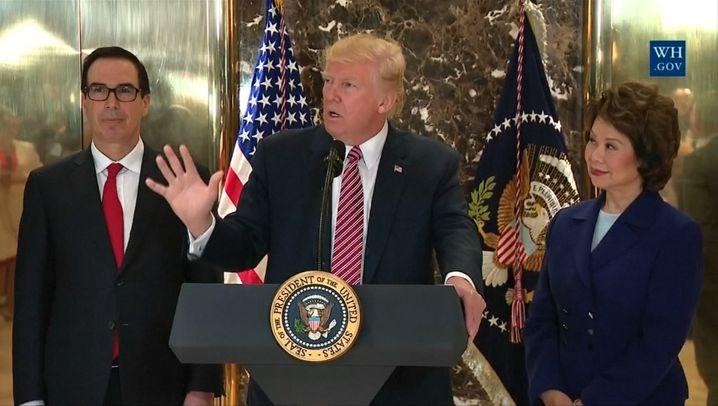 Gewalt in Charlottesville: Trump gibt 'beiden Seiten' Schuld