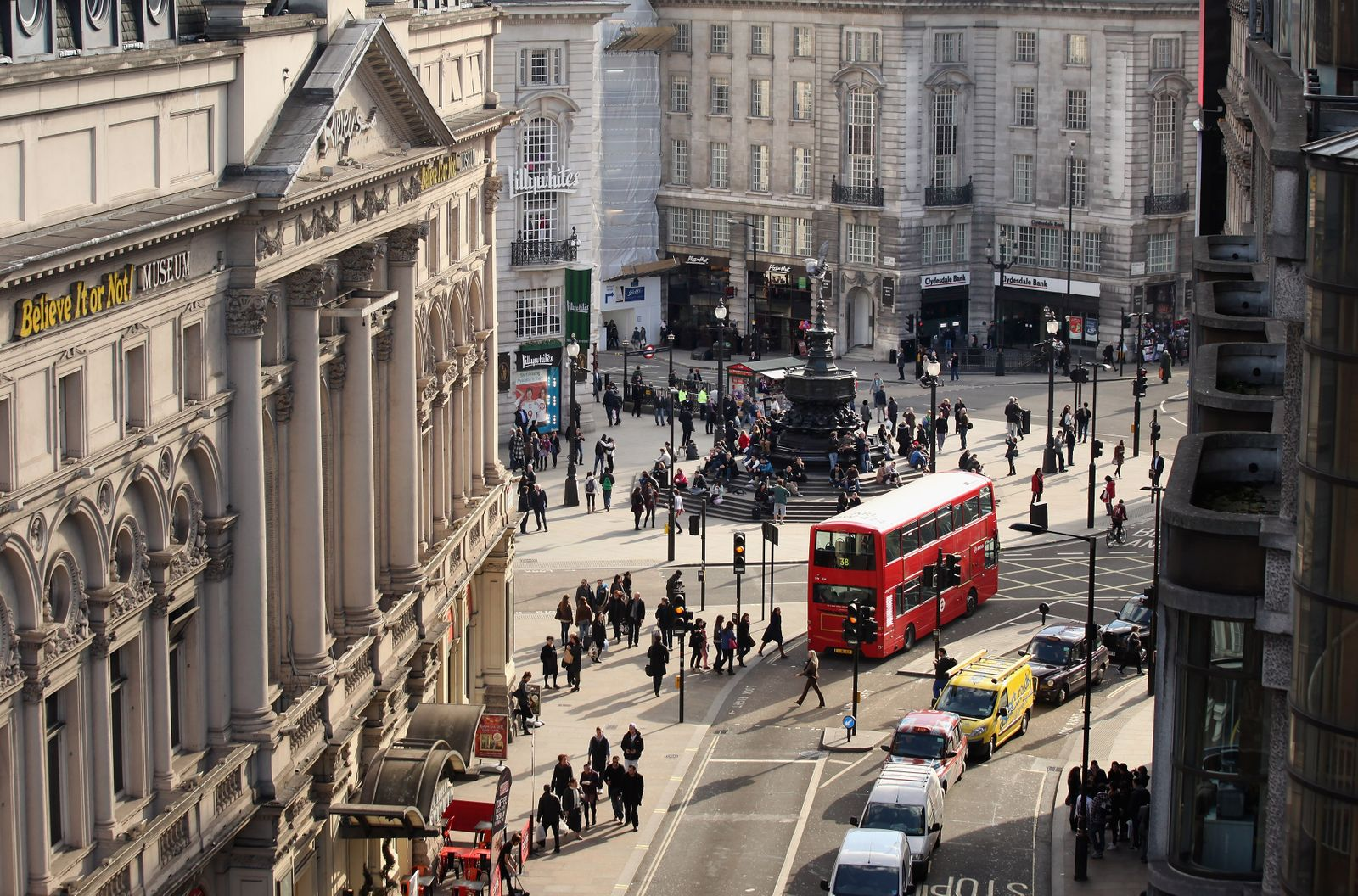 Verkehr / Straße / Straßenverkehr / London / Piccadilly Circus