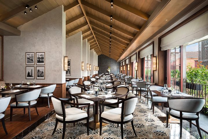 Le Comptoir de Pierre Gagnaire Main Dining im Capella-Hotel in Shanghai