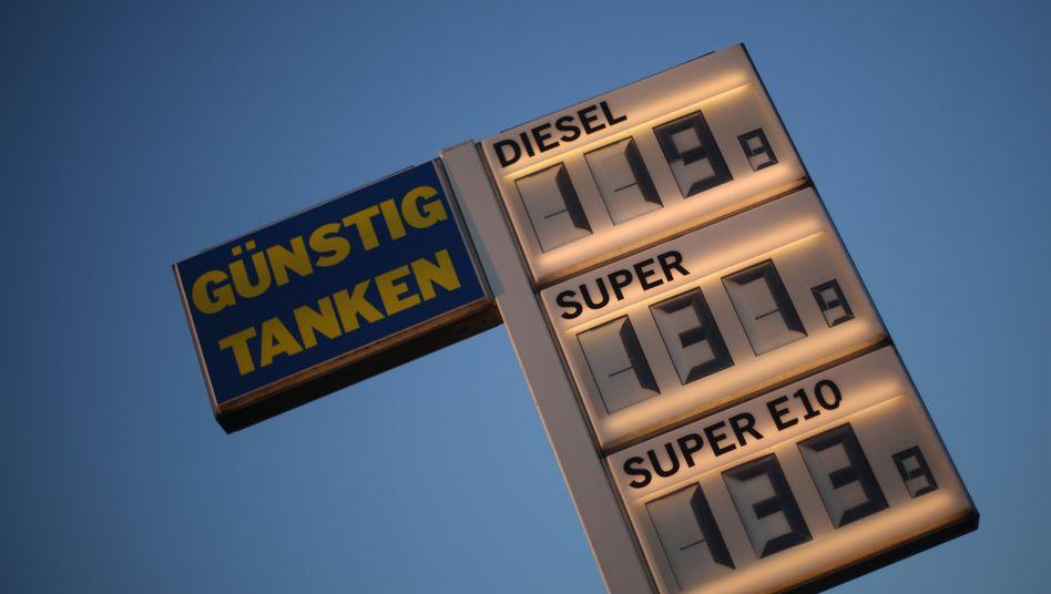 Tankstelle in Dortmund: Nicht nur die Energiepreise geben nach