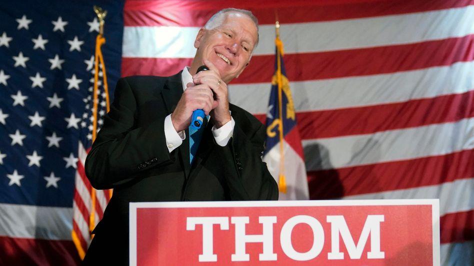 Knapp ins Ziel gerettet: Mit der wahrscheinlichen Wiederwahl von Senator Thom Tillis aus North Carolina haben die Republikaner zumindest 50 der 100 Sitze im US-Senat.