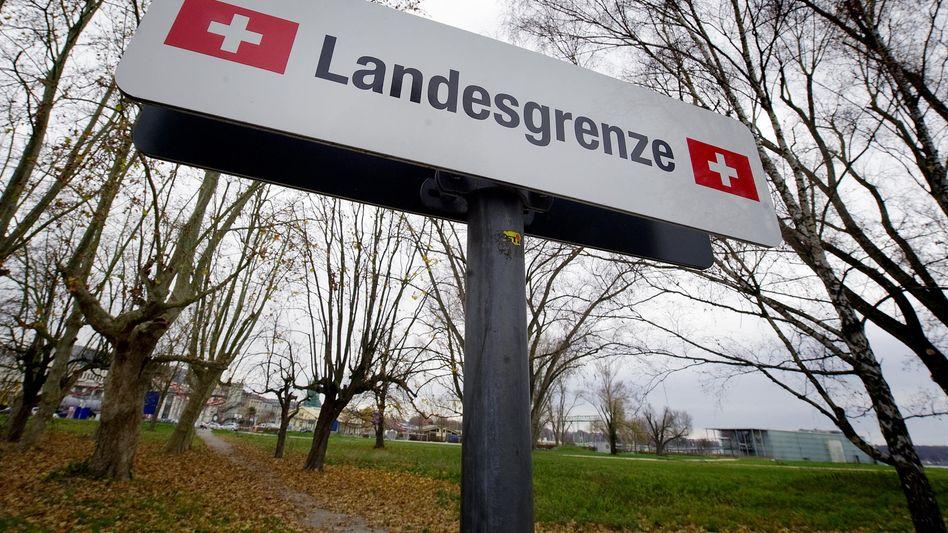 Grenzen dicht? Vor allem in der deutschsprachigen Schweiz votierten viele für eine Begrenzung der Zuwanderung
