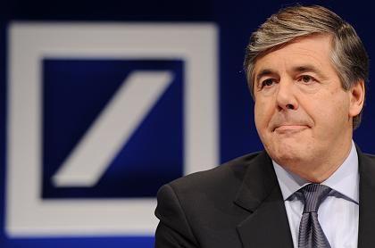 Deutsche-Bank-Chef Ackermann: Der Konzern lässt eine Anleihe lieber länger laufen, als sich jetzt neues Geld besorgen zu müssen