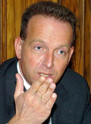 """""""Bis zur Wahl bleiben die Schubladen geschlossen"""": Professor Stefan Homburg, Finanzwissenschaftler der Leibniz Universität Hannover erwartet bereits kurz nach der Wahl zahlreiche Vorschläge, wie sich die Staatsschulden sich reduzieren ließen"""