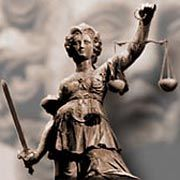 Sie soll es nun richten: Justitia, Symbol für Gerechtigkeit