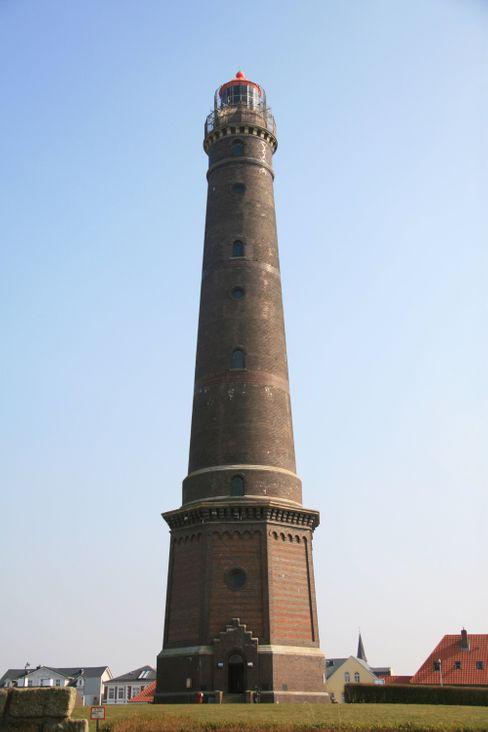 Der Name führt auf eine falsche Fährte: Der Neue Leuchtturm auf Borkum stammt aus demJahr 1879