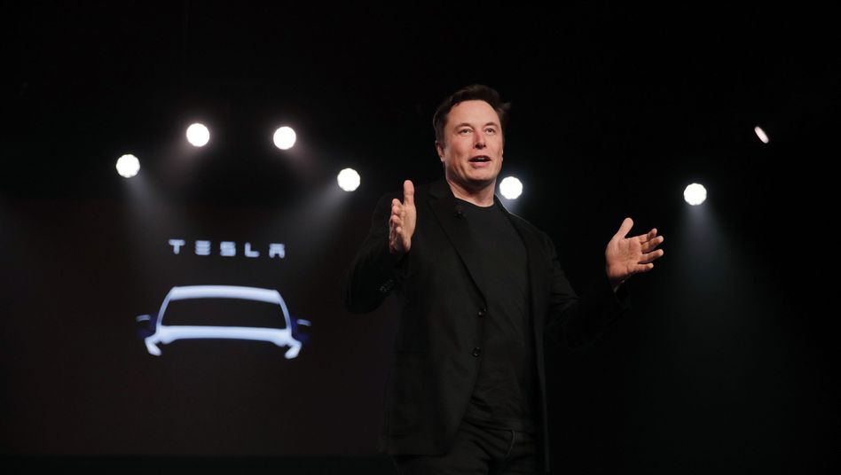 Tesla-CEO Elon Musk bei der Präsentation des Kompakt-Elektro-SUVs Model Y