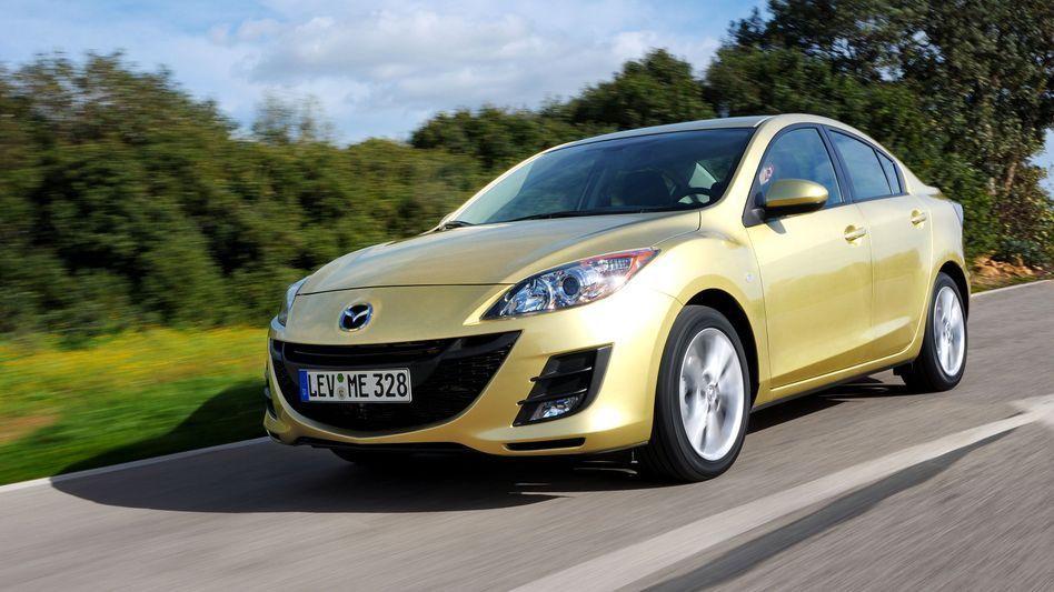Mazda 3: Kann sich plötzlich schwer lenken