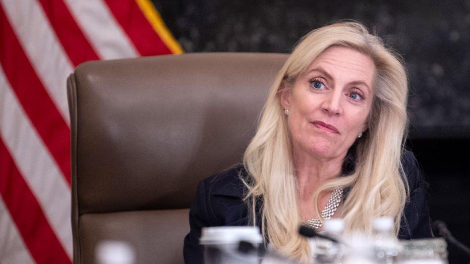 """Energische """"Abweichlerin"""" der Federal Reserve: Ihre Standfestigkeit macht Fed-Gouverneurin Lael Brainard (59) nun zur heißen Anwärterin auf zwei Topjobs in der US-Notenbank"""