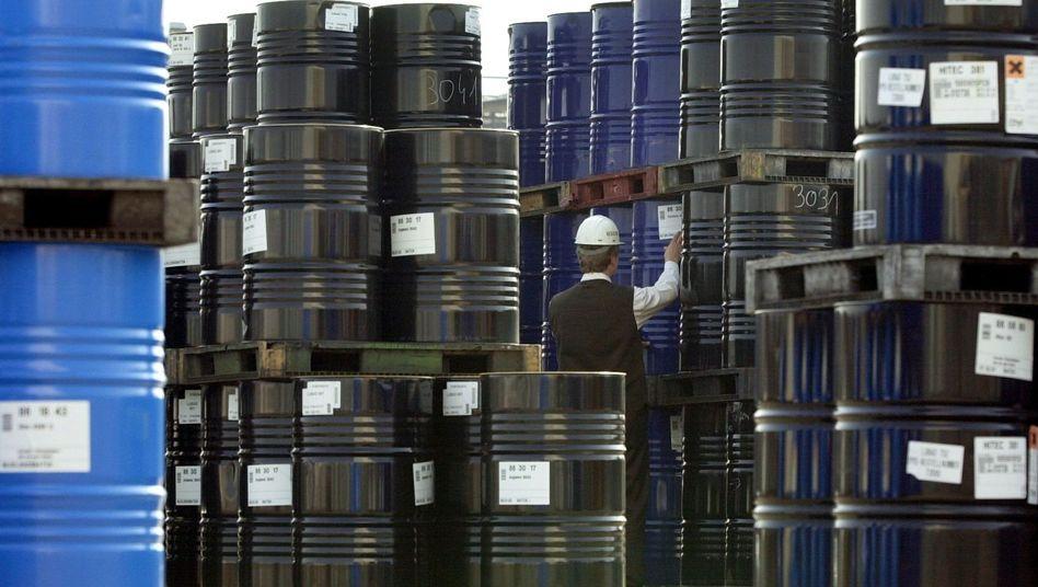 Öl im Blick: Der Ölpreis notiert zwar noch deutlich unter seinem jüngsten Rekordhoch, doch der Markt reagiert aktuell sehr sensibel auf politische Unruhen