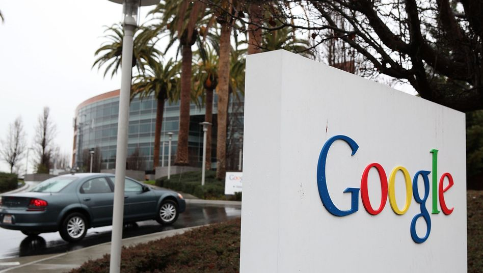 Google: Fühlt sich von der EU-Kommission offenbar missverstanden. Die ihrerseits missachte, wie die meisten Menschen tatsächlich online einkauften. Missachte also die Online-Realität, wenn man so will.