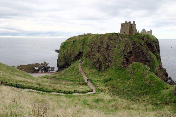 Eine Burgruine wie aus dem Bilderbuch: Dunnottar Castle liegt nahe der Kleinstadt Stonehaven an der schottischen Nordseeküste.