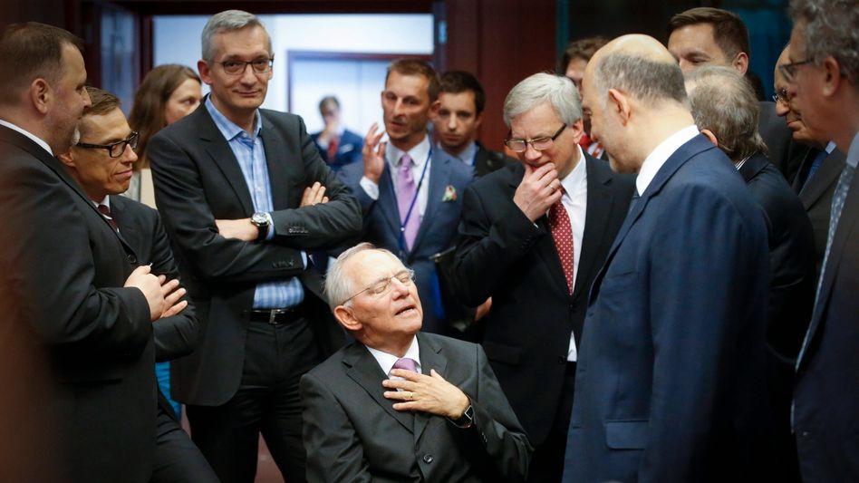 Wolfgang Schäuble: Griechenland ist überschuldet. Wie viel Sinn macht es, wider besseren Wissens aus moralischen Gründen auf dem Grundsatz pacta sunt servanda zu bestehen?