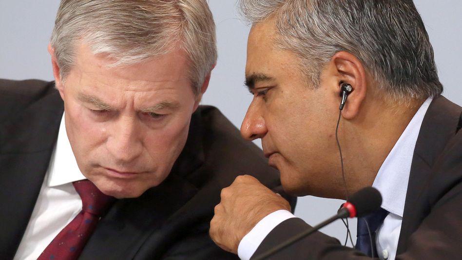 Es wird nicht einfacher: Deutsche-Bank-Co-Chefs Jürgen Fitschen (rechts) und Anshu Jain