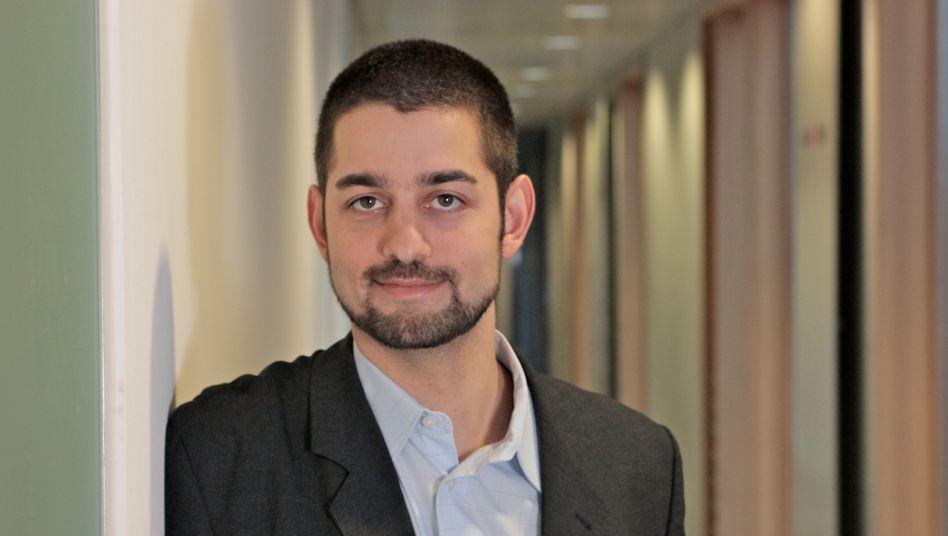 """""""Unseriös kalkuliert"""": Ozan Sözeri ist Chef des Beratungshauses """"Widge.de"""" mit 30 Mitarbeitern. Der Wirtschaftsingenieur und Ex-Versicherungsmakler boxt für Versicherte den Wechsel in günstigere und nicht selten sogar bessere Tarife durch"""