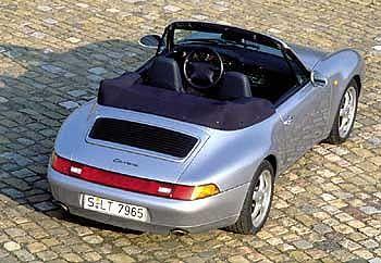 Neue Verriegelungsmotoren sollen das Dach halten: Porsche 993 Cabrio