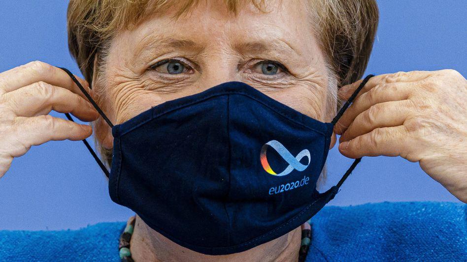 Angela Merkel: Die Kanzlerin dringt auf eine Verschärfung der Corona-Regeln, der Nahverkehr soll aber nicht eingeschränkt werden