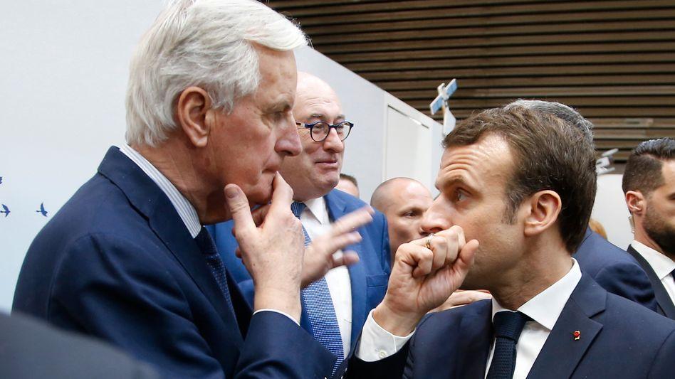 Brexit-Verhandler Barnier, Frankreichs Regierungschef Macron: Frustriert von taktischen Spielchen Londons