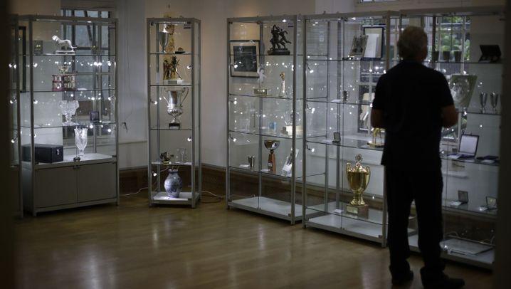 Boris Becker: Pokale für Auktion in London ausgestellt