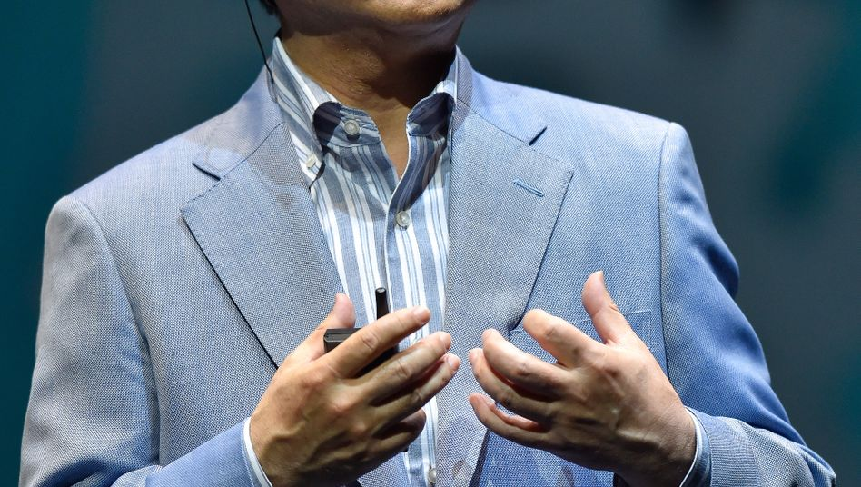 Softbank-Boss Masayoshi Son will alle Möglichkeiten ausloten, um den bislang glücklose US-Mobilfunker Sprint voranzubringen.