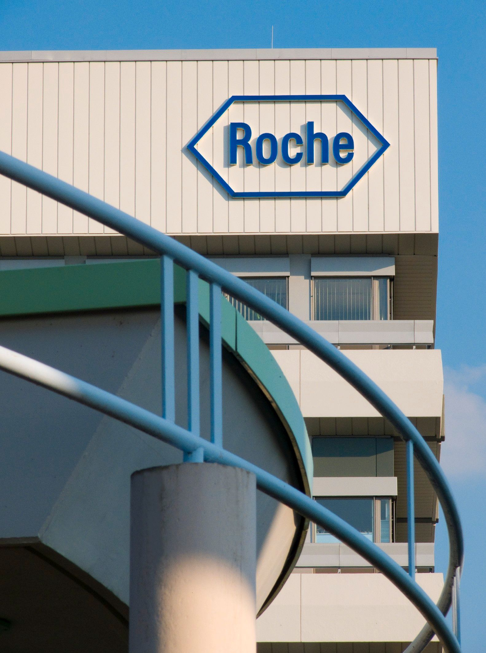 Roche Diagnostics Design Center, Mannheim (Roche-Logo)
