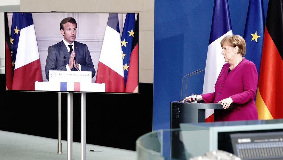 Gehen einen Schritt in Richtung gemeinsamer europäischer Schulden: Angela Merkel und der französische Präsident Emmanuel Macron schlagen am Montag einen Fonds für von der Pandemie besonders betroffene Länder in Europa vor.