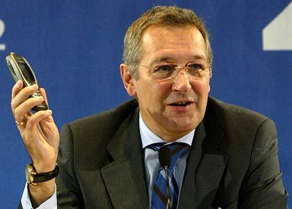Rudolf Gröger: Der Chef des Mobilfunkbetreibers O2 will das Unternehmen für so gennante Wiederverkäufer wie Mobilcom öffnen