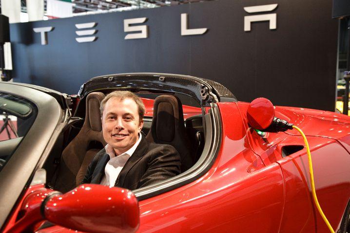 Will er mehr als er kann? Tesla-Chef Elon Musk stellt am Donnerstag (31. Juli) die Halbjahresbilanz des Unternehmens vor - Analysten erhoffen sich viele Antworten auf offene Fragen