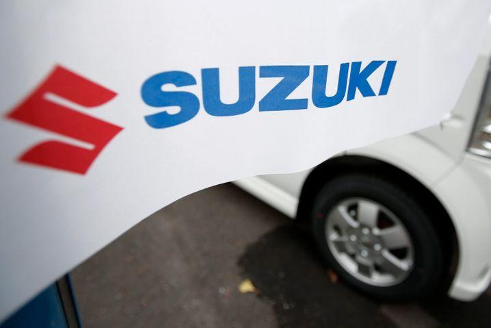 April 2015: Der japanische Kleinwagen-Spezialist Suzuki ruft rund zwei Millionen Autos in die Werkstätten zurück, die meisten davon in Japan. Grund sind mögliche Defekte bei Zündschlössern