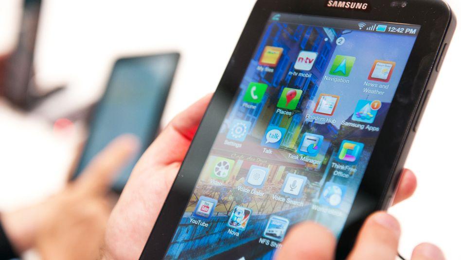 Tablet von Samsung: Der koreanische Konzern ist inzwischen größter Smartphone-Hersteller der Welt - und greift Apple jetzt auch bei Tablets an