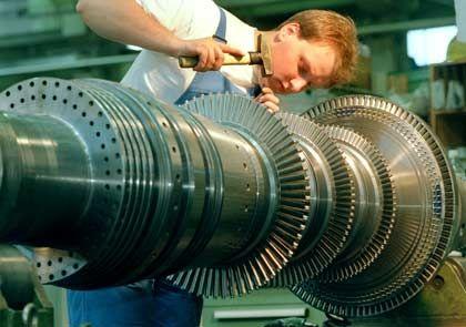 Herz der Wirtschaft: Im Maschinenbau fehlen Fachkräfte. Siemens hat 1900 Stellen zu besetzen.