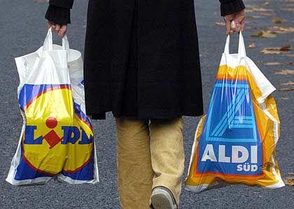 Buhlen um Kunden:Die Discounter Lidl und Aldi