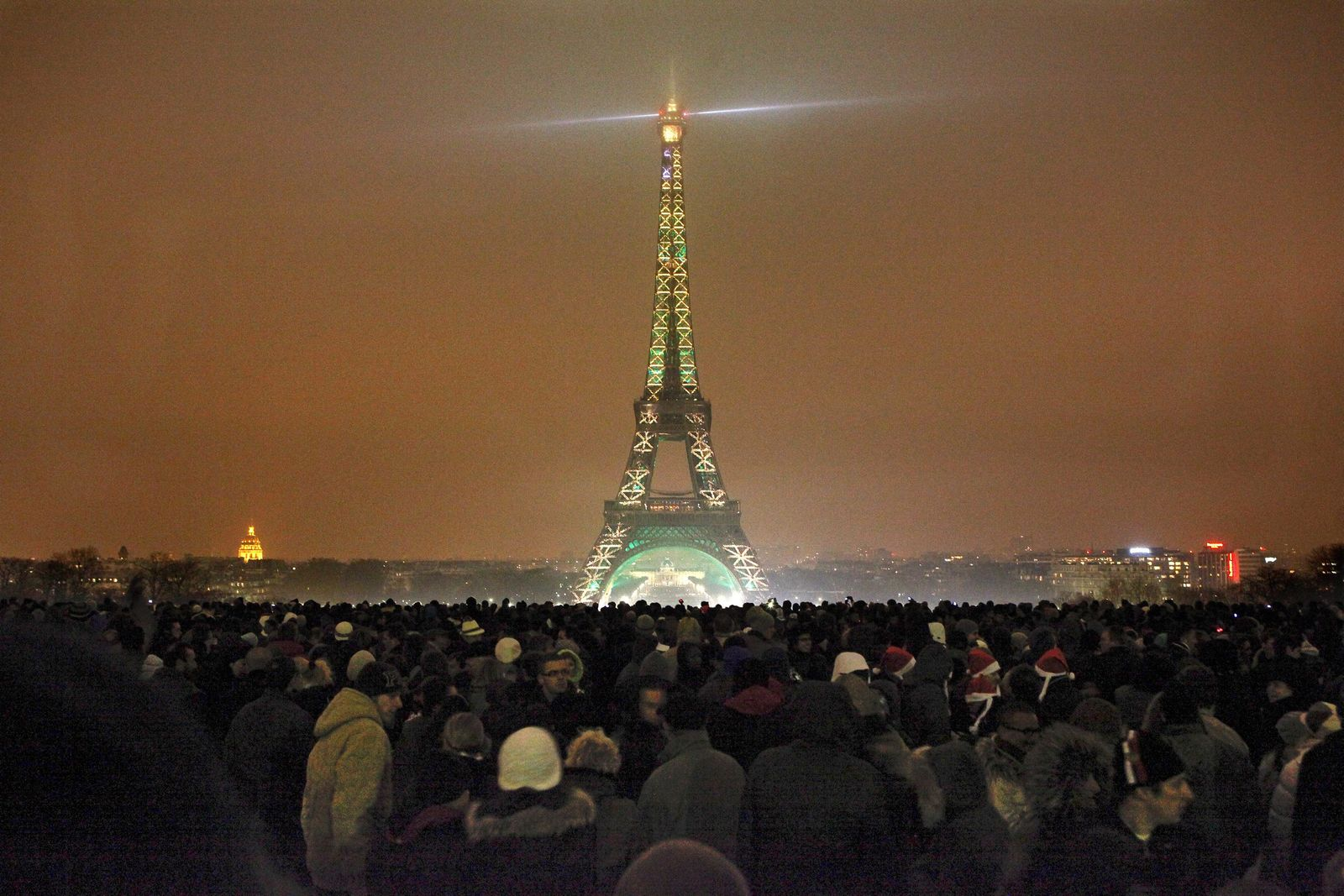 Neujahrsbräuche / Frankreich / Eiffelturm
