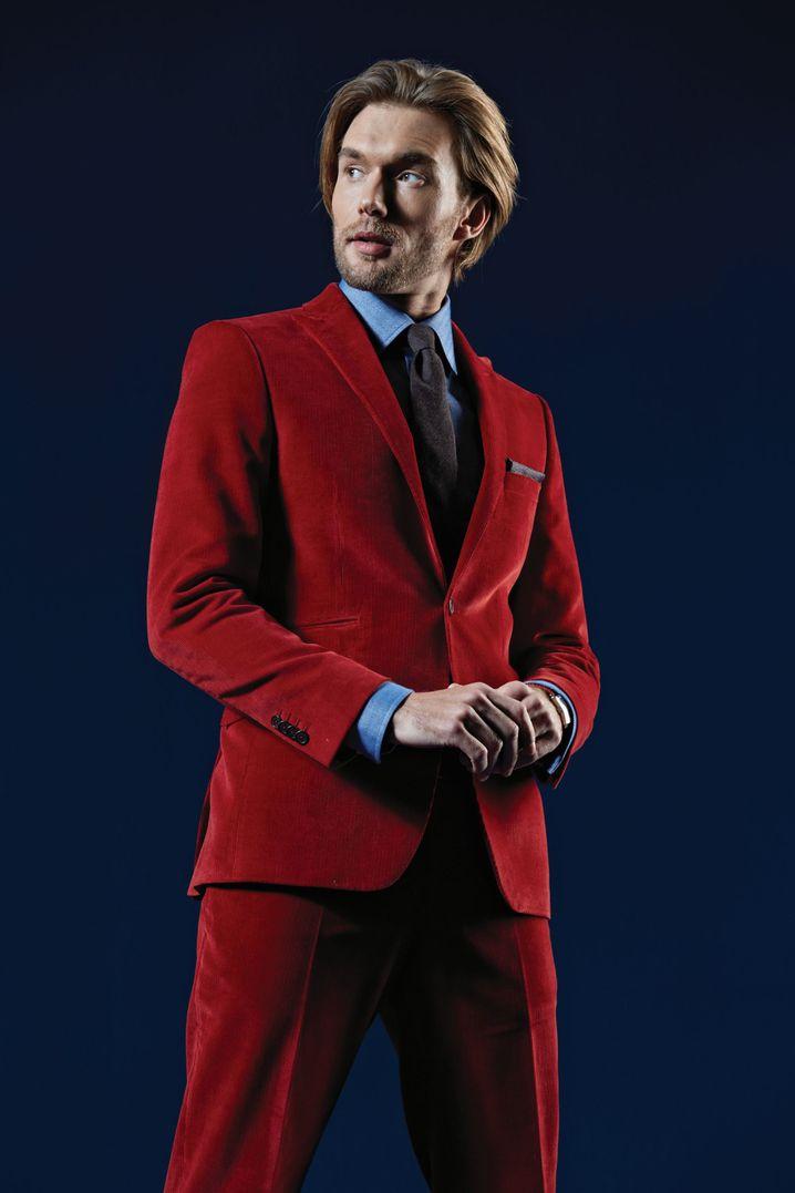 Ein Anzug aus Cord wirkt sportlich. Hier ein Modell von Eduard Dressler (ca. 539 Euro).