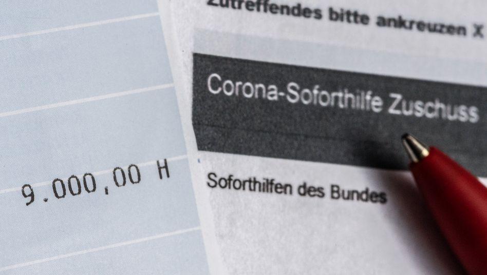Ein Kontoauszug mit der überwiesenen Summe von 9000 Euro Corona-Soforthilfe