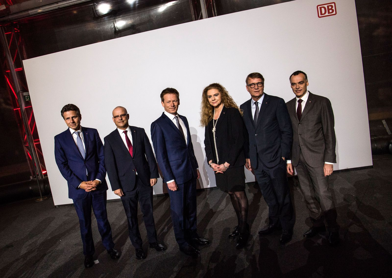 EINMALIGE VERWENDUNG Board members of Deutsche Bahn