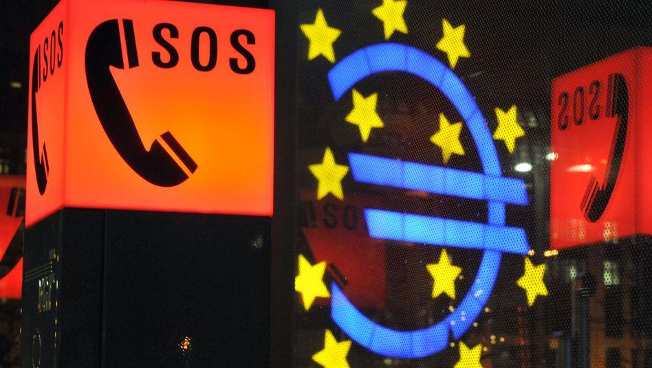 SOS-Symbol in Frankfurt: Für einen echten Alarm ist es bei der EZB in Sachen Konjunktur wohl noch zu früh.