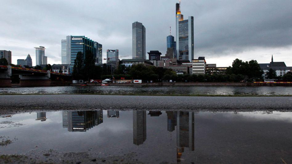 Bankenviertel in Frankfurt: Aktionäre und Gläubiger sollen einen angemessenen Anteil der Verluste tragen