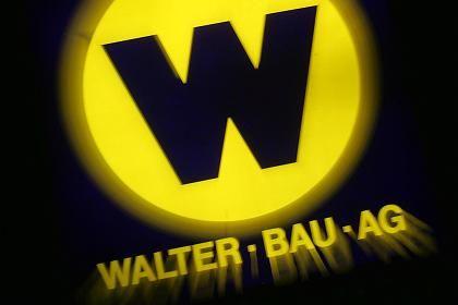 Entscheidende Woche: Walter-Bau-Logo vor der Firmenzentrale in Augsburg