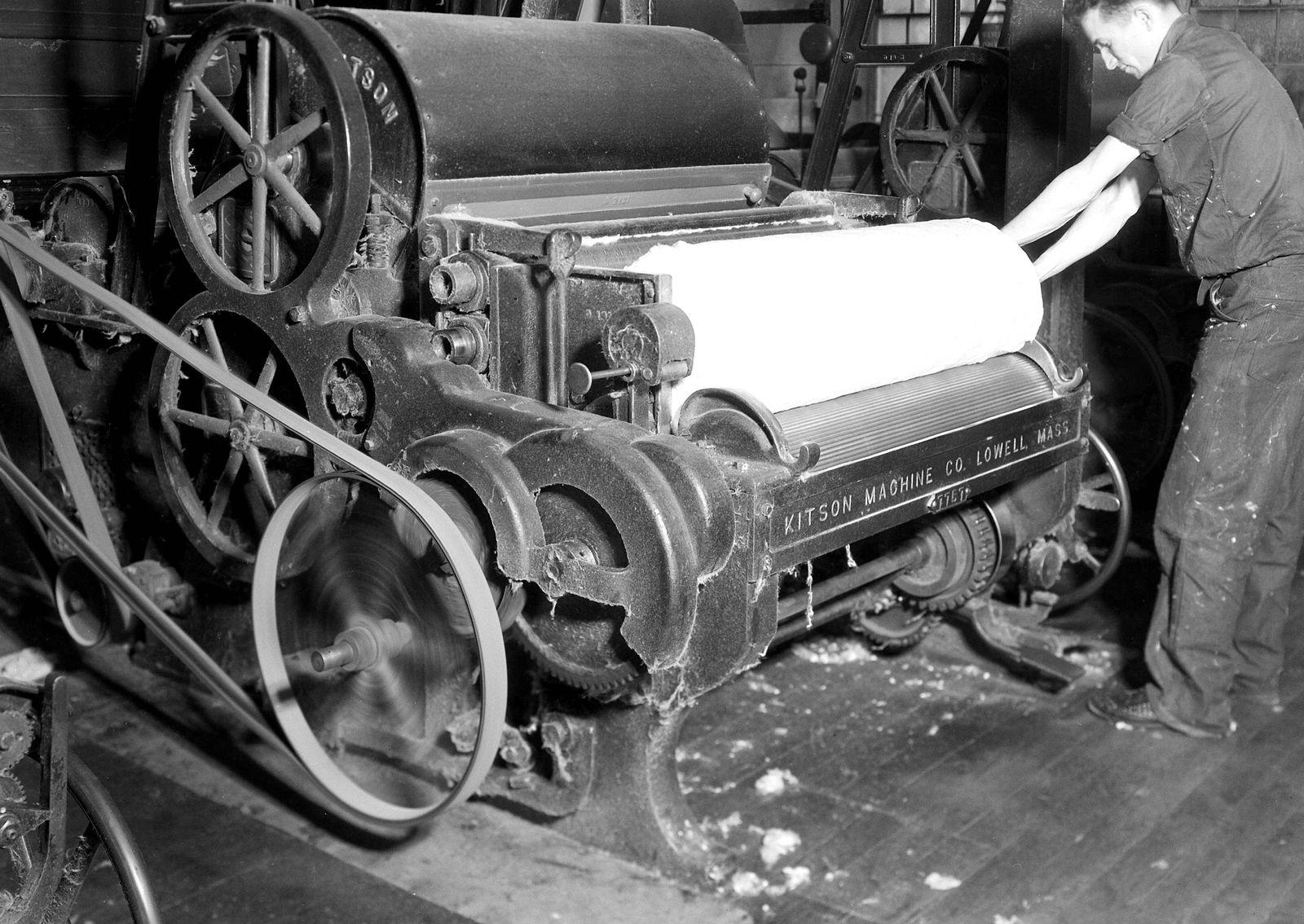 EINMALIGE VERWENDUNG Historische Maschine / Textilmaschine