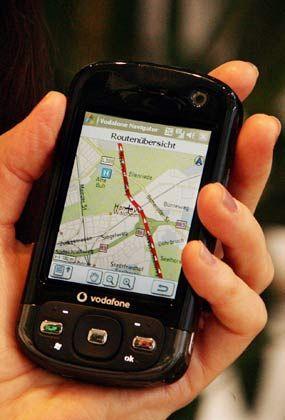 Wenn das Handy zum Navi wird: Auch Mobiltelefone weisen mittlerweile den Weg