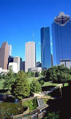 Spiegelnde Glasfassaden: Das Zentrum von Houston ist typisch für eine US-amerikanische Großstadt