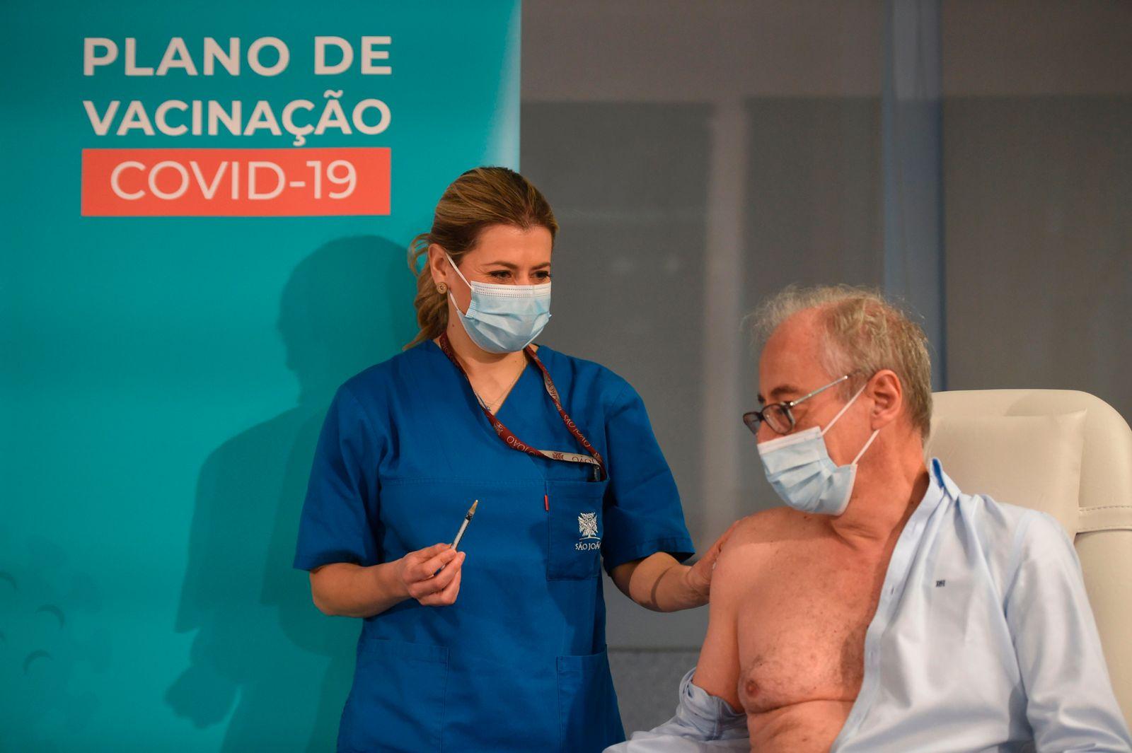 TOPSHOT-PORTUGAL-HEALTH-VIRUS-VACCINE