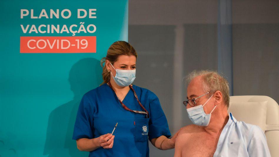 Mehr Stoff: Corona-Impfung in einem Krankenhaus in Porto am 27. Dezember