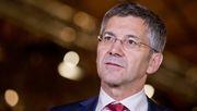 Adidas-Investor stellt Kooperation mit Fifa infrage