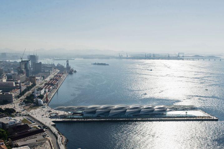 Für Milliarden aufgehübscht: Der Olympiaboulevard im modernisierten Hafenviertel Porto Maravilha (an der verdreckten Guanabara-Bucht)